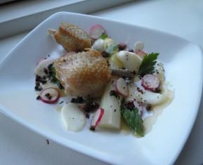 Høns i asparges fra det nye nordiske køkken