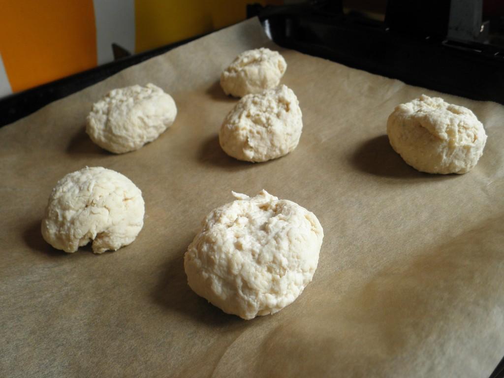 Sodabrød / boller på bagepulver, klar til bagning