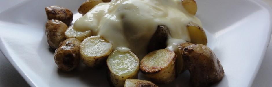 tapas - patatas con alioli - tapas af brasede kartofler med aioli (hvidløgsmayonnaise)