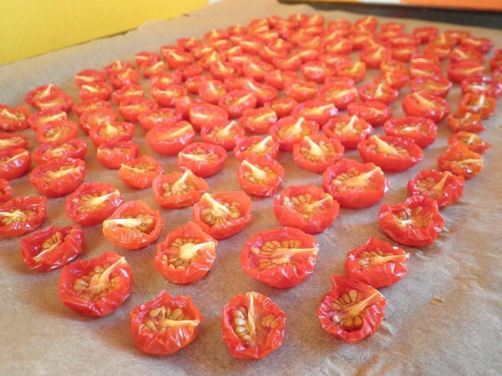 semi-dried tomatos - tørrede cherrytomater - gode til madgaver