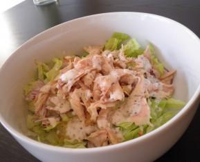 Frokostsalat med rester fra helstegt kylling