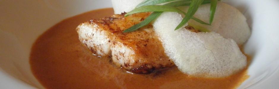 Rødfisk med æble, estragon og rejesauce