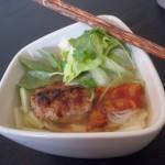 Bun Cha - Vietnams bedste street food. Nudler, frikadeller og krydderurter