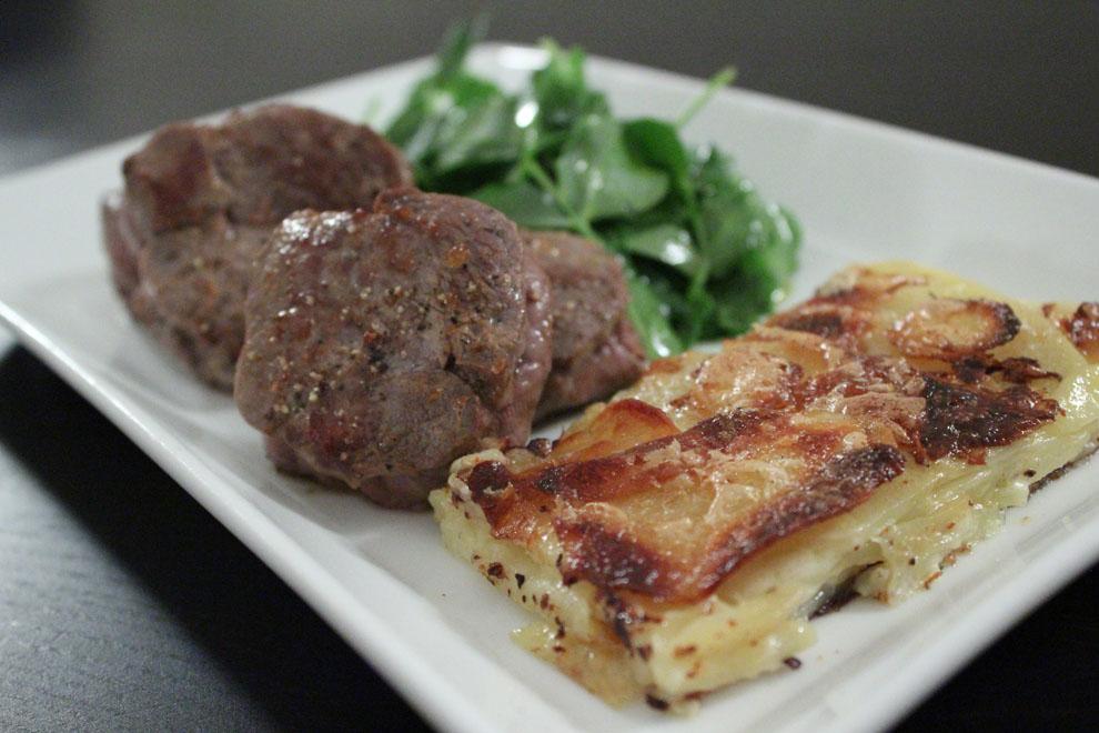 Lammefilet og en luksus version af flødekartofler