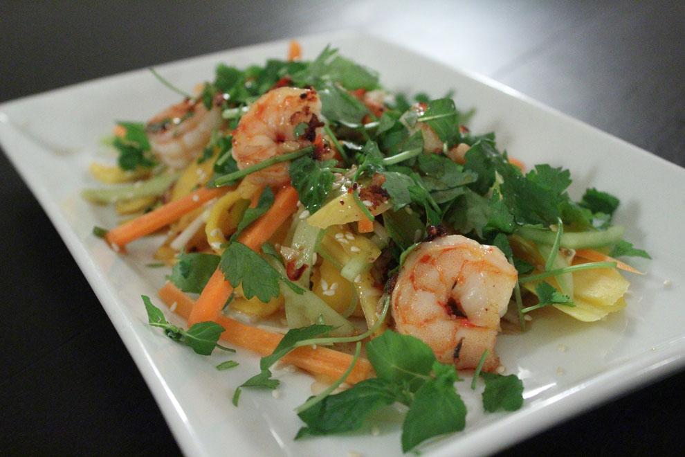 Vietnamesisk mangosalat med rejer